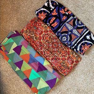 Bundle of women's Lularoe leggings one size